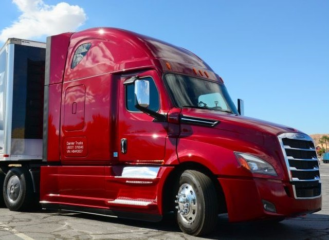 Test Drive: Freightliner's 'New' Cascadia - Equipment