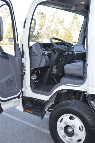 Test Drive: Isuzu NPRs Offer High Maneuverability - Fleet