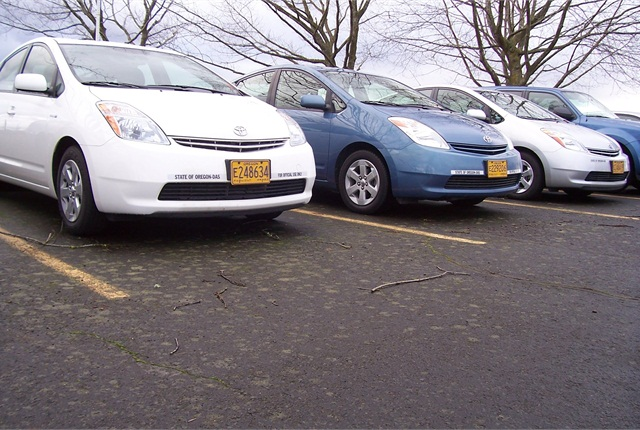 The State of Oregon is making sure hybrid vehicles are used more often. The new policy affects 400 vehicles, mostly Toyota Priuses and Honda Civic sedans.