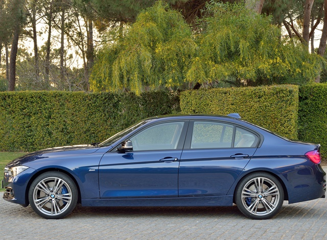 BMW 3 Series sedan, Model Sport Line Mediterranean Blue metallic