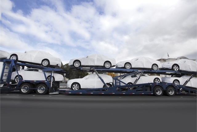 Photo from ©iStockphoto.com/ Joe_PotatoAn auto rental company looking for a carrier to transport its latest shipment of cars can connect with a driver or dispatcher through online load boards.