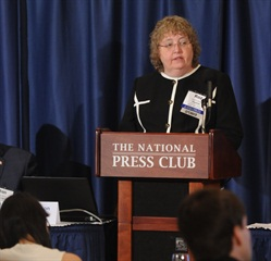 Report author Roz Wilson, presenting the 26th Annual State of Logistics Report. Image: Penske Logistics