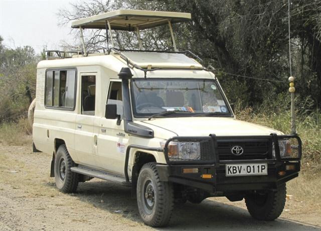 Active Car Hire has a thriving safari tour business, renting Toyota Land Cruisers purpose-built for safaris. Each safari tour includes a driver guide.