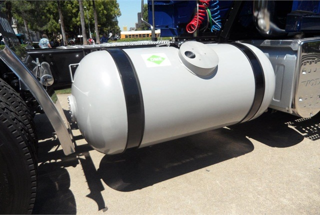 Steel DME fuel tank is the same as for propane. Modest storage pressure of 75 psi makes the tank, built for propane's 125 psi, overbuilt.