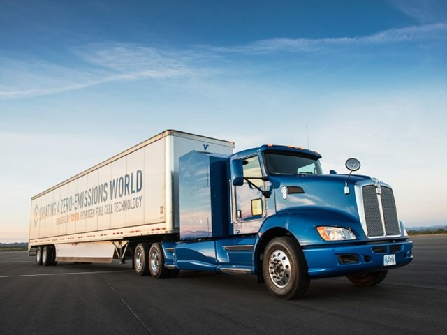 Toyota's Project Portal concept truck, a H2 fuel-cell-powered electric powertrain in a modified Kenworth T660 chassis. (Kenworth had no stake in the project.) Photo: Toyota