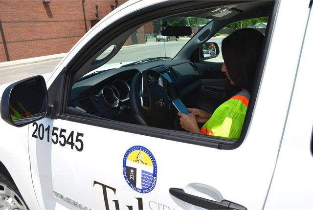 The City of Tulsa (Okla.) encourages its employees to pull over before using a cell phone. Photo courtesy of City of Tulsa
