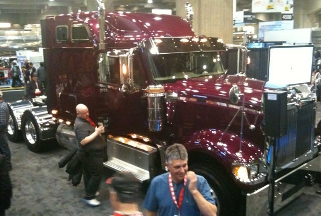 Pictures is the 9900i after Navistar International Corp. re-launched the 9900i along with PayStar 5900 SBA models at ExpoCam, Canada's National Truck Show.