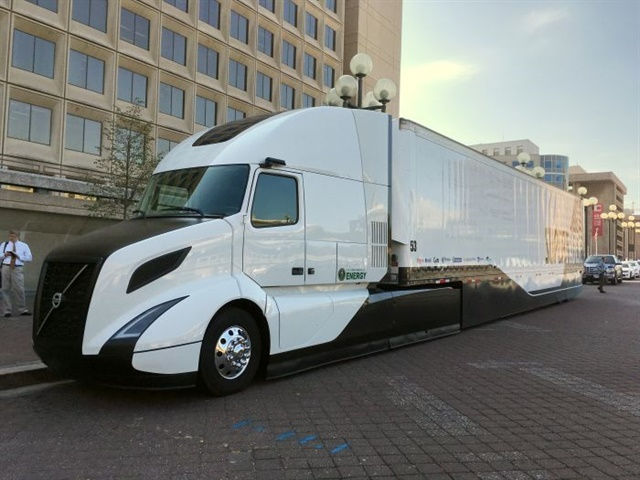 Volvo Trucks North America's SuperTruck project boasts a freight efficiency improvement of 88%, a 40% reduction in aerodynamic drag and 12-13 mpg. Photo: Jim Park
