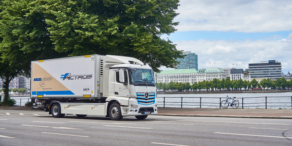 "Nagel-Group in Hamburg goes electric – entire Mercedes-Benz eActros ""Innovation fleet"" now in..."