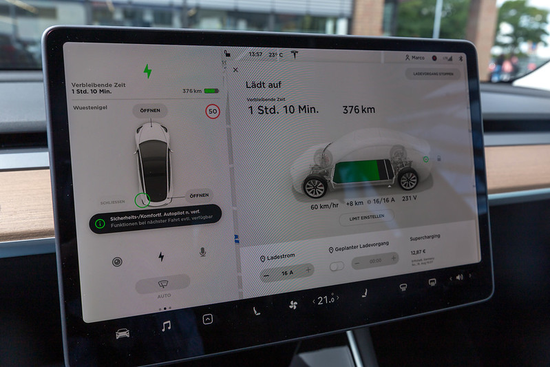 New Tesla Access App Facilitates Peer-to-Peer Sharing