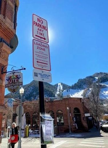 The most popular times of day for loading and unloading in Aspen are between 9am to 11am, with 11am to 1pm the next busiest time of day, and with little activity past 2pm. - Photo courtesy of Coord.