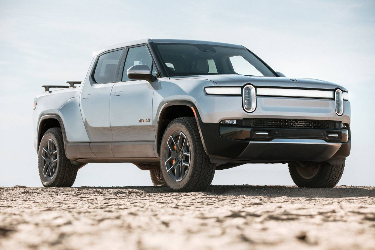 Motor Trend Gushes over Rivian R1T Electric Pickup