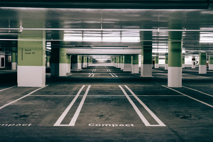 Liftshare saves it's 700 clients over £20 million ($24.7 million) per year in parking costs, reducing the amount of spaces and land required to be leased. - Photo via Pxhere.