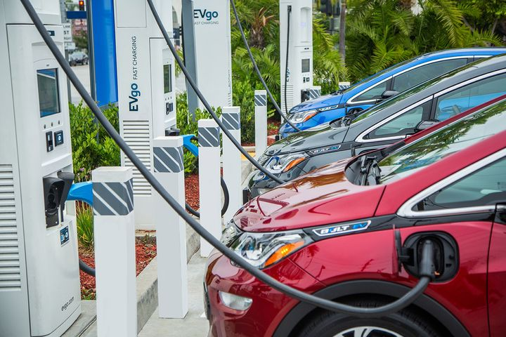 Stations will be located in highly visible areas and most will be able to charge at least four vehicles simultaneously. - Photo via GM.