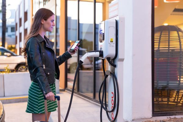 Built on a previously announced agreement for inter-network roaming, users of the EV Connect charging smartphone application will be able to locate, initiate sessions, and pay for charging at Greenlots charge stations and vice-versa, later this year. - Photo via Greenlots.