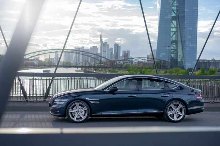Coming first to the UK is the Genesis G80 sedan and the Genesis GV80 SUV, which can be ordered June onwards. - Photo: Hyundai