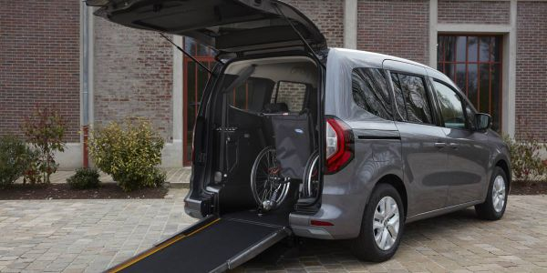 The new TMPR will go on sale in autumn 2021 in France and Europe.A sliding access ramp is...