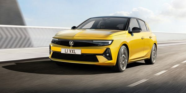 New Vauxhall/Opel Astra will feature a fully electric version for the first time, due 2023.