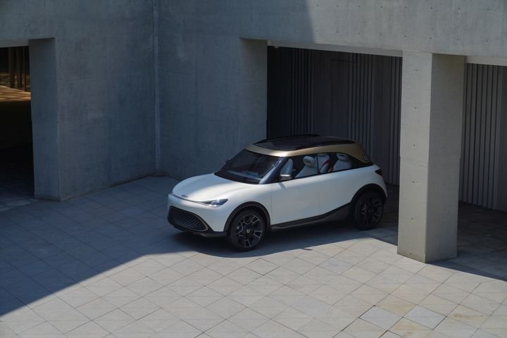 This smart SUV concept, when it goes into production, will be the first smart to be available with operational leasing supplied by ALD Automotive. - Credit: smart Europe