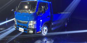 Mitsubishi Fuso Celebrates Sale of 30,000th Vehicle in Taiwan