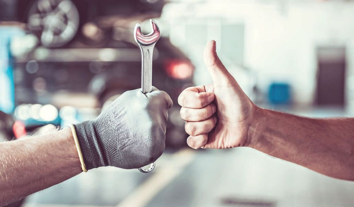 Cost and inventory are among the factors in deciding whether a fleet should own its tools or provide an allowance for technicians topurchase their own.  - Photo: Getty Images