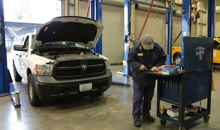 Snohomish County in Washington provides a tool allowance, which its fleet manager believes is a cost-effective solution.