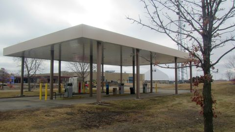 Dakota County (Minn.) Fleet Management took eight months to finish implementing its new fuel...