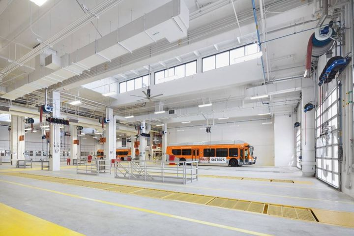 Lower level work areas and preventive maintenance inspection bays will continue to be useful for accessing charging systems and batteries located underneath vehicles. - Photo: HDR