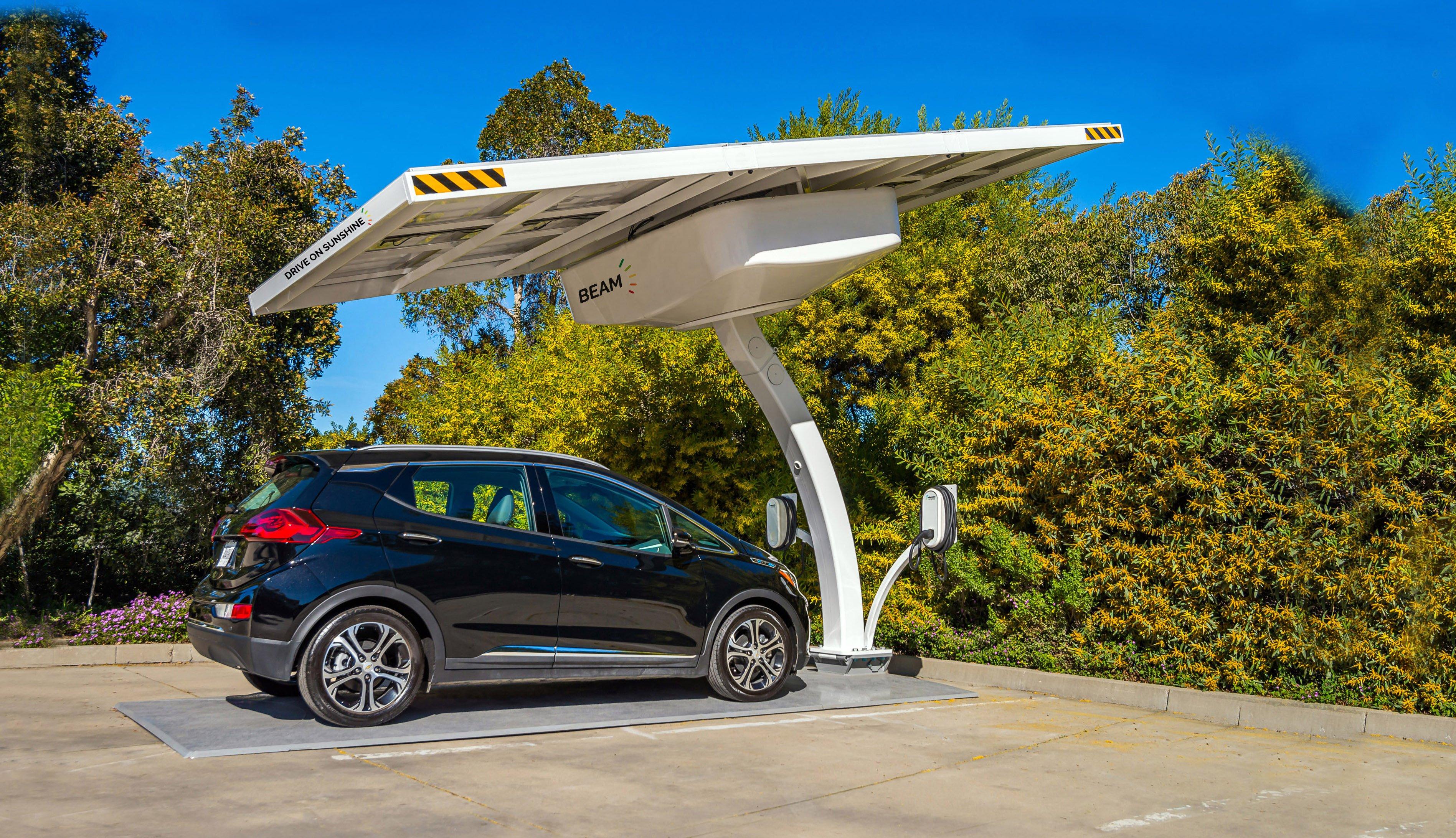 No Grid, No Problem: Why Solar Is a Fleet's Best EV Charging Option