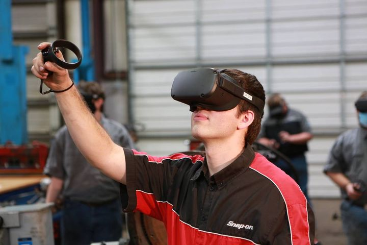 The Diesel by Distance program will now feature VR simulations that recreate the working environment of a diesel technician. - Photo: Wallace State Community College