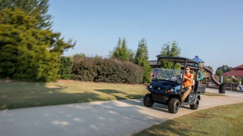 A longer-range lithium-ion battery allows the E-Z-Go Elite to have lower operating costs.