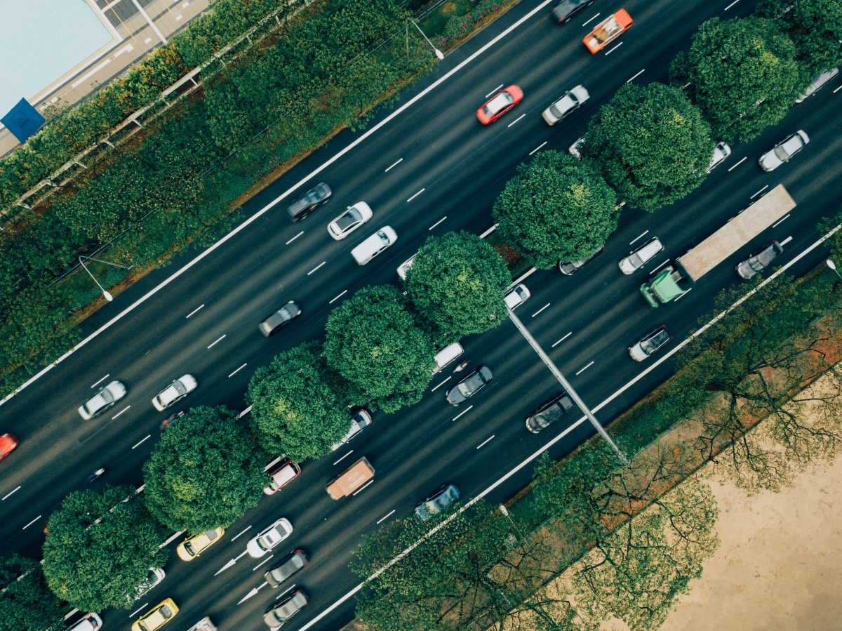 More than GPS: 7 Ways Fleet Intelligence Can Improve Safety, Savings, and Service