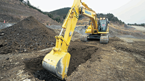 The PC210LCi-11's Intelligent Machine Control is based on Komatsu's own sensor package, which...