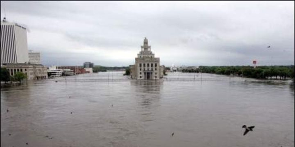 Cedar Rapids City Hall faces rising waters during the Flood of 2008 in June.