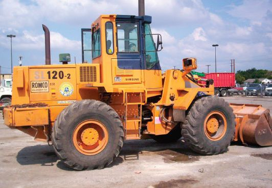 Maintaining Loaders and Backhoes