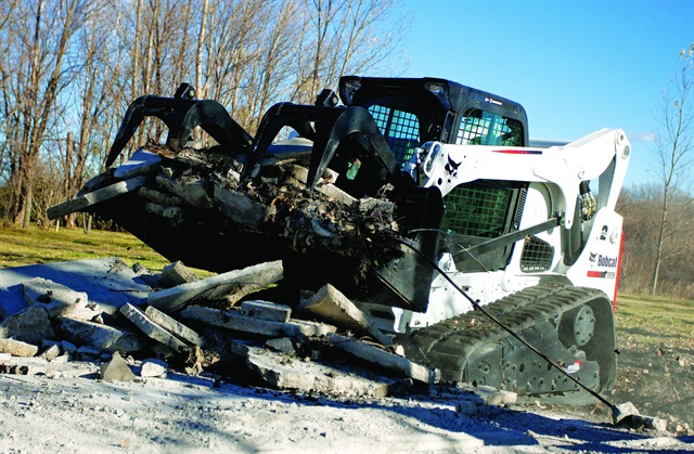 Design improvements are making it easier for technicians to service equipment. The Bobcat T750 compact track loader has an oil cooler that swings up, allowing operators better access for cleaning.