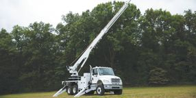 A Digger Derrick That Delivers Smooth Functionality