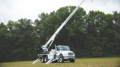 The DT65H Transmission Digger Derrick from Altec is a fully hydraulic derrick that incorporates...