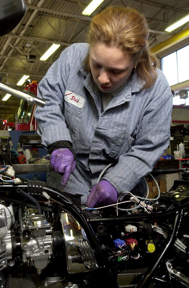 Is Technical Experience Necessary for Fleet Managers?