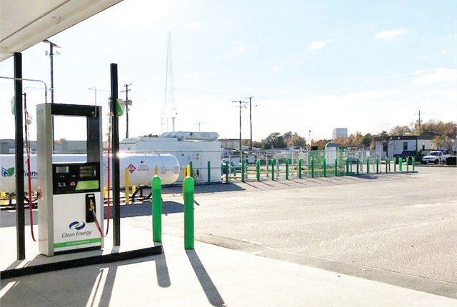 City officials in Chesapeake, Ca., accepted the fleet department's suggestion to build a publicly accessible fast-fill CNG station. Photo by George Hrichak