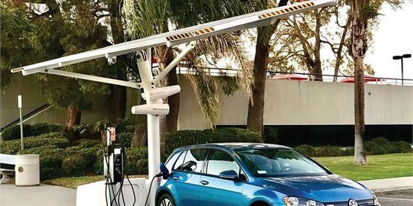 Charlotte Buys Solar Charging Stations for Emergency Management