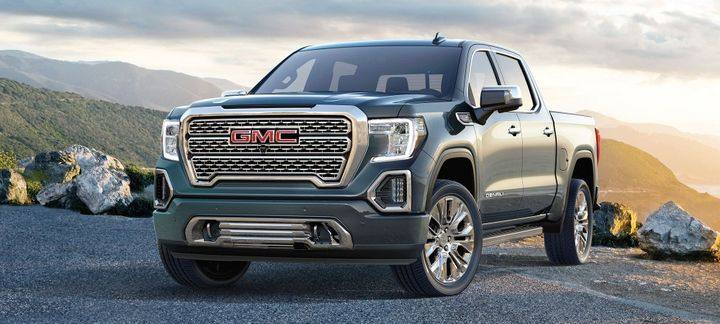Photo of the 2019 GMC Sierra courtesy of GM