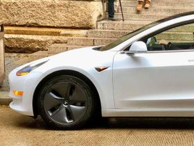 Pa. Sheriff Test Drives a Tesla