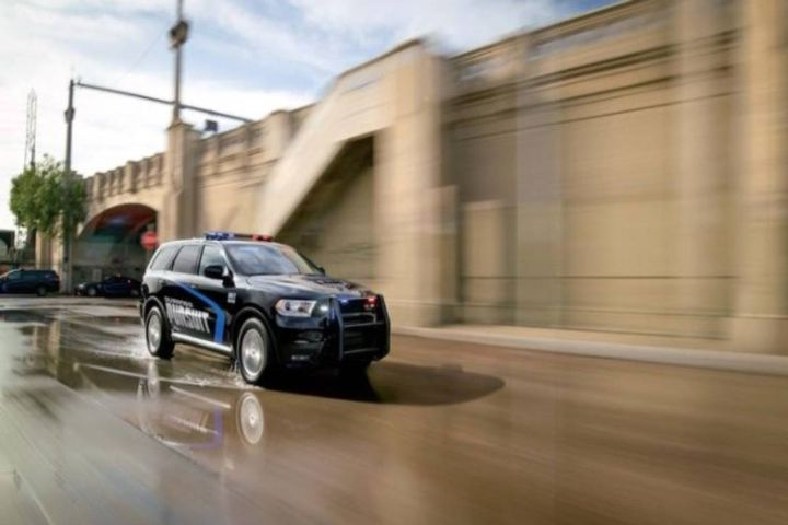 A 2020 Dodge Durango Pursuit - Photo: FCA