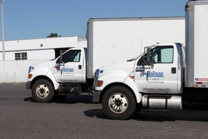 The contract streamlines the procurement of powertrain products for government fleet operators. - Photo: Holman Parts Distribution