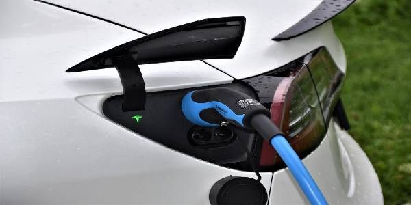 President Signs Bill Allowing Electric Vehicle Charges on Govt. Purchase Cards
