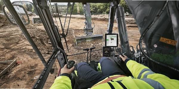 Updates to Volvo Dig Assist Make Grade Planning Faster, Easier