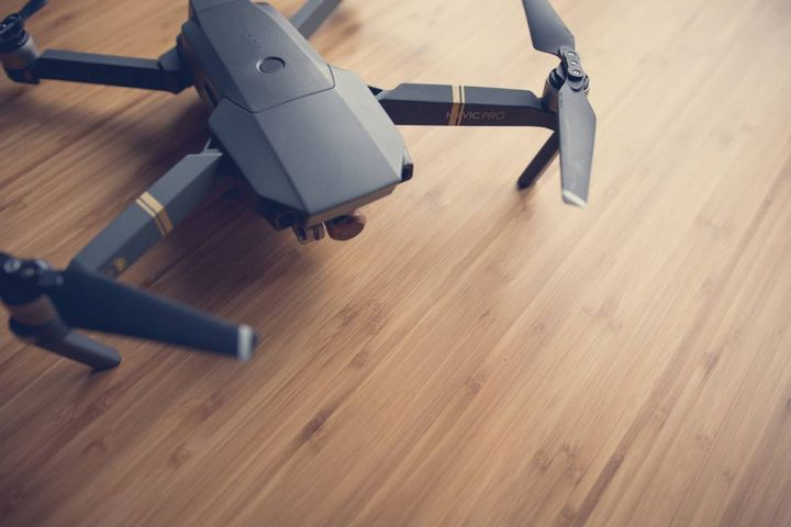 SB 44 would allow police to use drones to monitor large crowds and collect evidence at crimes scenes and traffic crashes. - Photo: Pexels/Vitaly Vlasov