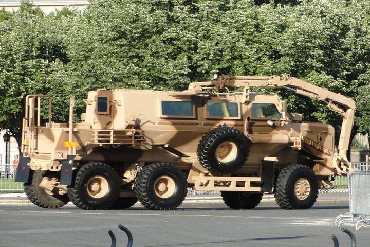 Mine Resistant Ambush Protected Vehicle (Stock photo) - Photo:AlfvanBeem (CC0 1.0)