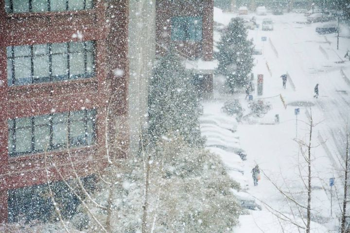 Kansas City, Mo., is working on creating a more aggressive snow removal strategy. - Photo: Unsplash/Xu haojie